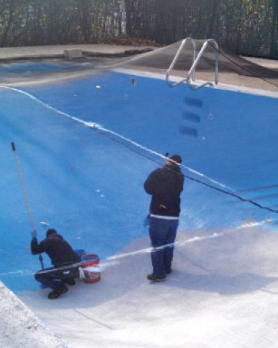 photo of pool painting-with-leaf-netting